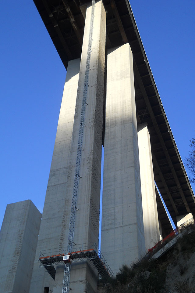 Noleggio ponte autosollevante Napoli