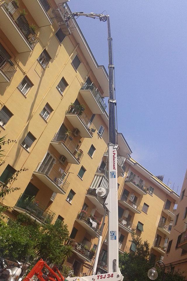 Noleggio piattaforma telescopica a ragno Napoli